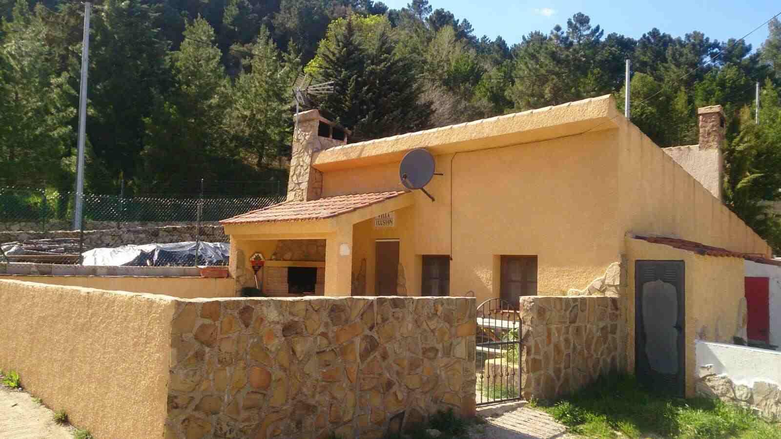 Alquiler vacaciones en La Casa De La Noguera, Albacete