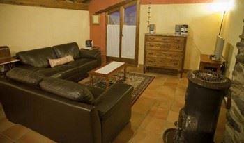 Alquier de Casa en Aidí, Lérida para un máximo de 8 personas con 2 dormitorios