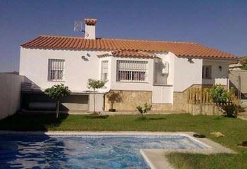 Alquier de Chalet en Arcos de la Frontera, Cádiz para un máximo de 5 personas con 3 dormitorios