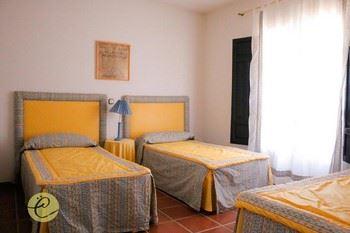 Alquier de Casa en Castilblanco, Badajoz para un máximo de 12 personas con 4 dormitorios