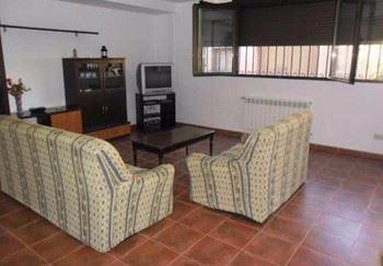 Alquier de Casa rural en Ayllón, Segovia para un máximo de 9 personas con 4 dormitorios