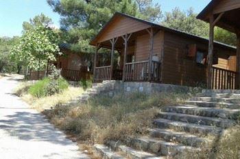 Alquier de Cabaña en Cenicientos, Madrid para un máximo de 6 personas con 3 dormitorios
