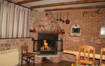 Alquier de Casa rural en Lozares de Tobalina, Burgos para un máximo de 16 personas con 8 dormitorios