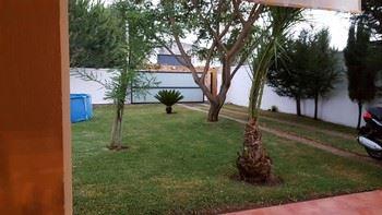 Alquier de Chalet en Chiclana de la Frontera, Cádiz para un máximo de 6 personas con 3 dormitorios
