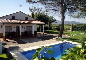 Alquier de Casa en Miajadas, Cáceres para un máximo de 5 personas con 3 dormitorios