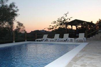 Alquier de Casa rural en Cómpeta, Málaga para un máximo de 12 personas con 4 dormitorios