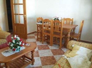 Alquier de Casa en Conil de la Frontera, Cádiz para un máximo de 5 personas con 3 dormitorios