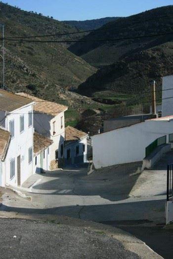 Alquier de Casa en Agrón, Granada para un máximo de 7 personas con 3 dormitorios