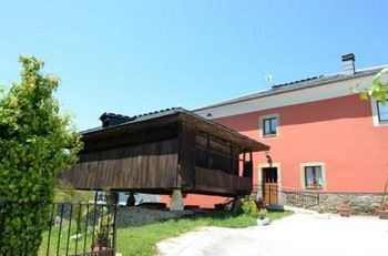Alquier de Casa en Cangas del Narcea, Asturias para un máximo de 14 personas con 7 dormitorios
