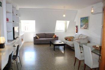 Alquier de Ático en Málaga, Málaga para un máximo de 16 personas con 4 dormitorios