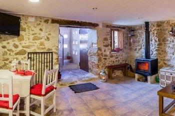Alquier de Casa en Casas del Castañar, Cáceres para un máximo de 4 personas con 2 dormitorios