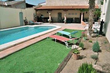 Alquier de Casa en Sonseca, Toledo para un máximo de 16 personas con 6 dormitorios