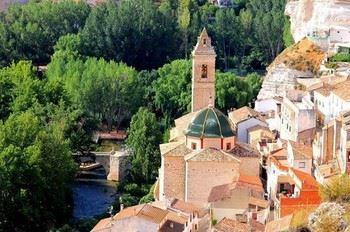 Alquier de Casa rural en Casas del Cerro, Albacete para un máximo de 12 personas con 5 dormitorios