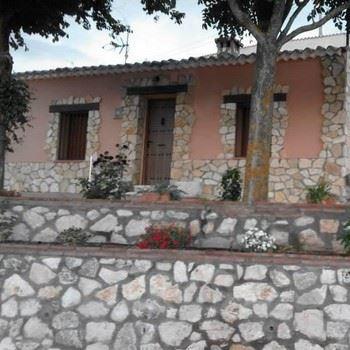 Alquier de Casa en Hita, Guadalajara para un máximo de 6 personas con 3 dormitorios