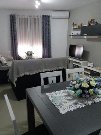 Alquier de Casa en Perales del Puerto, Cáceres para un máximo de 8 personas con 4 dormitorios