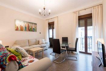 Alquier de Apartamento en Granada, Granada para un máximo de 7 personas con 4 dormitorios