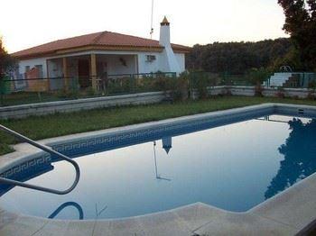 Alquier de Chalet en Badajoz, Badajoz para un máximo de 12 personas con 4 dormitorios