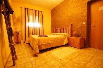 Alquier de Casa rural en Villaverde y Pasaconsol, Cuenca para un máximo de 10 personas con 5 dormitorios