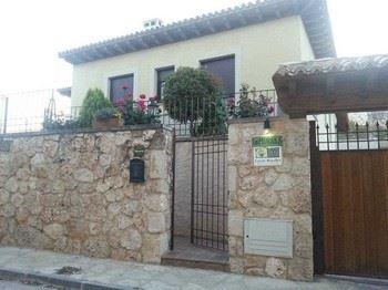 Alquier de Casa rural en Brihuega, Guadalajara para un máximo de 20 personas con 9 dormitorios