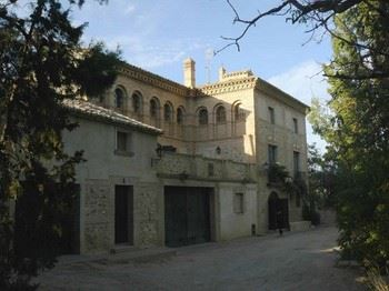Alquier de Casa en Ainzón, Zaragoza para un máximo de 8 personas con 4 dormitorios