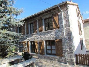 Alquier de Casa rural en Barajas, Ávila para un máximo de 14 personas con 6 dormitorios