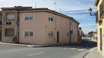 Alquier de Casa en Aldea Real, Segovia para un máximo de 9 personas con 4 dormitorios