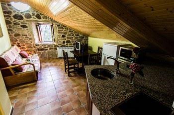 Alquier de Casa rural en Cereixo, La Coruña para un máximo de 4 personas con  1 dormitorio