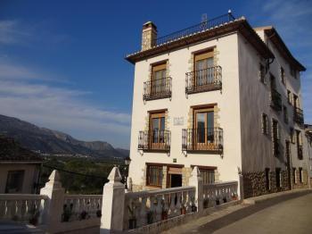 Alquier de Casa rural en Orba, Alicante para un máximo de 6 personas con 2 dormitorios