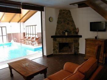 Alquier de Casa rural en Villanueva de Ávila, Ávila para un máximo de 10 personas con 5 dormitorios