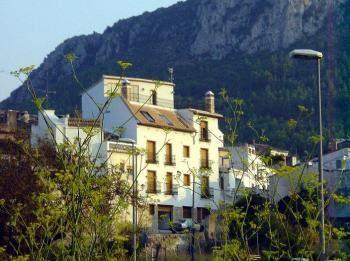 Alquier de Casa rural en Orba, Alicante para un máximo de 25 personas con 9 dormitorios