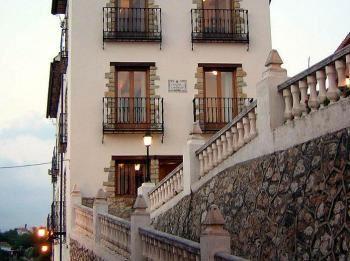 Alquier de Casa rural en Orba, Alicante para un máximo de 20 personas con 7 dormitorios