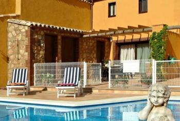 Alquier de Casa rural en Cantallops, Barcelona para un máximo de 6 personas con 3 dormitorios