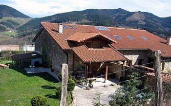 Alquier de Casa rural en Elorrio, Vizcaya para un máximo de 6 personas con 3 dormitorios