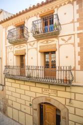Alquier de Casa rural en Caseres, Tarragona para un máximo de 6 personas con 2 dormitorios