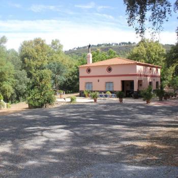 Alquier de Casa rural en Cortelazor, Huelva para un máximo de 6 personas con 3 dormitorios