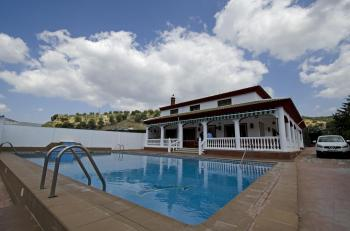 Alquier de Casa rural en Córdoba, Córdoba para un máximo de 16 personas con 7 dormitorios