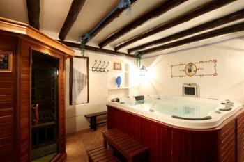 Alquier de Casa rural en Chinchón, Madrid para un máximo de 25 personas con 11 dormitorios