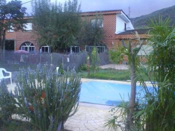 Alquier de Apartamento en Casas del Castañar, Cáceres para un máximo de 8 personas con 3 dormitorios