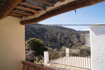 Alquier de Casa rural en Mecina-Fondales, Granada para un máximo de 4 personas con 2 dormitorios