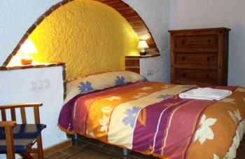 Alquier de Cueva en El Bejarín, Granada para un máximo de 4 personas con 2 dormitorios