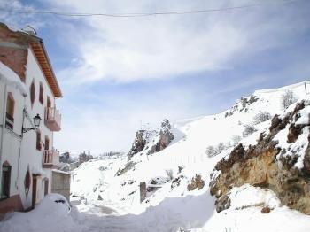 Alquier de Apartamento en Pontones, Jaén para un máximo de 12 personas con 6 dormitorios