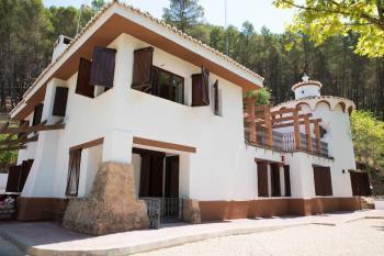 Alquier de Casa rural en Hornos, Jaén para un máximo de 16 personas con 8 dormitorios