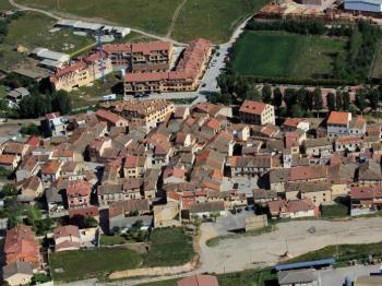 Alquier de Casa rural en Bernuy de Porreros, Segovia para un máximo de 16 personas con 7 dormitorios