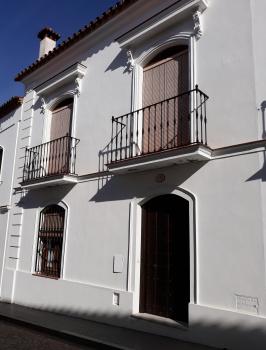 Alquier de Casa en Almonaster la Real, Huelva para un máximo de 6 personas con 3 dormitorios