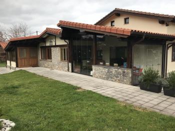 Alquier de Apartamento en La Pereda, Asturias para un máximo de 6 personas con 3 dormitorios