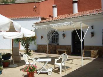 Alquier de Cueva en Purullena, Granada para un máximo de 10 personas con 3 dormitorios