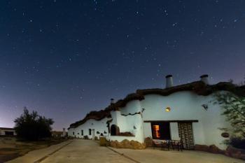 Alquier de Cueva en Fonelas, Granada para un máximo de 2 personas con  1 dormitorio