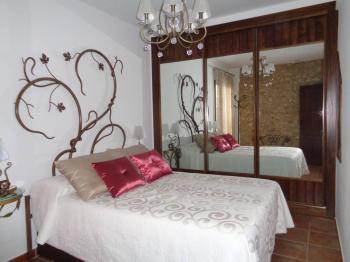Alquier de Casa en Colomera, Granada para un máximo de 9 personas con 3 dormitorios