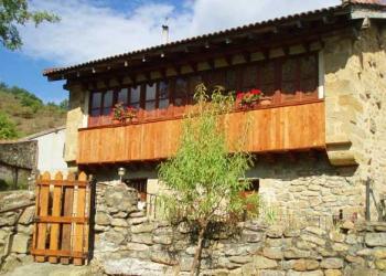Alquier de Casa rural en Reocín de los Molinos, Cantabria para un máximo de 12 personas con 6 dormitorios