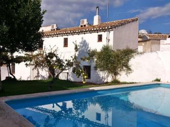 Alquier de Casa rural en Campo-Nubes, Córdoba para un máximo de 8 personas con 2 dormitorios